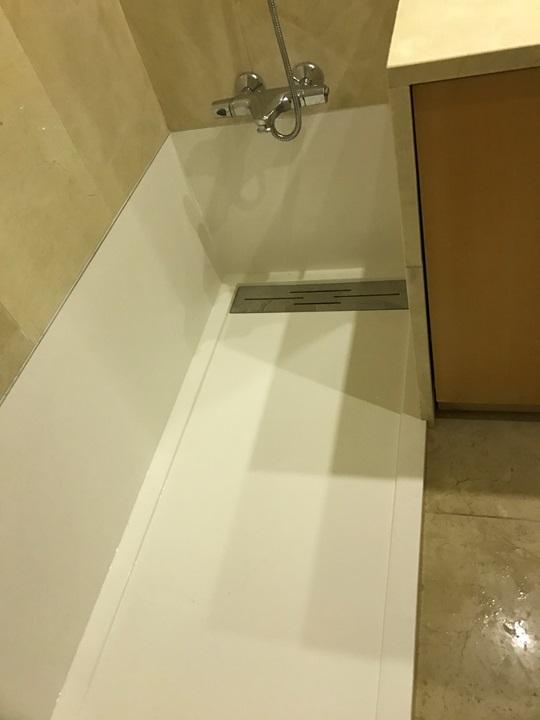 retirar a banheira e colocar um duche